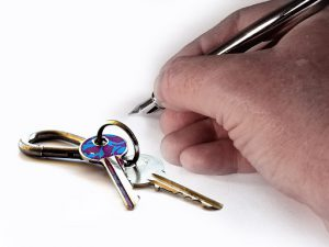 Vad är en bostadsrättsombildning?